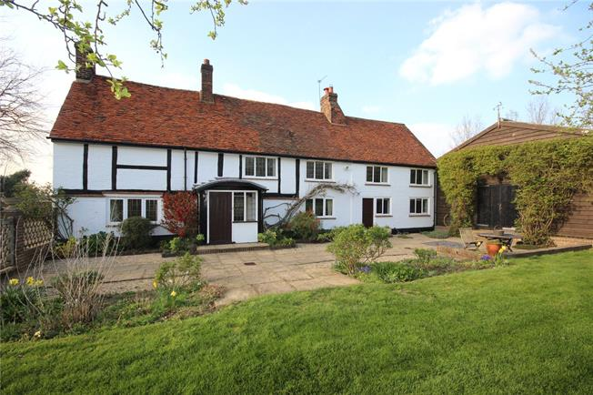 Guide Price £1,695,000, 6 Bedroom Detached House For Sale in Harpenden, Herts, AL5
