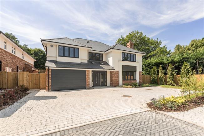 Guide Price £2,750,000, 6 Bedroom Detached House For Sale in Harpenden, AL5
