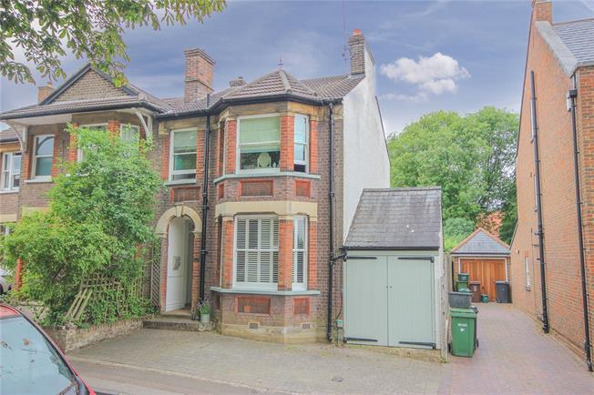 Guide Price £850,000, 3 Bedroom Semi Detached House For Sale in Hertfordshire, AL5
