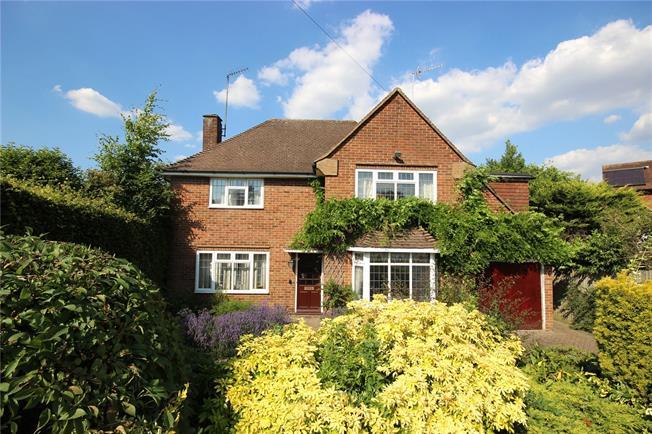 Asking Price £1,300,000, 4 Bedroom Detached House For Sale in Hertfordshire, AL5