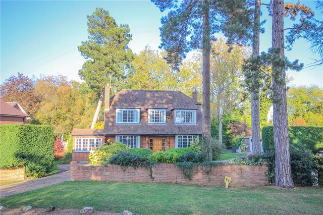 Asking Price £1,650,000, 4 Bedroom Detached House For Sale in Hertfordshire, AL5
