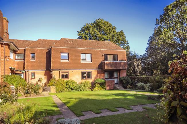 Asking Price £1,100,000, 3 Bedroom Flat For Sale in Harpenden, Hertfordshire, AL5