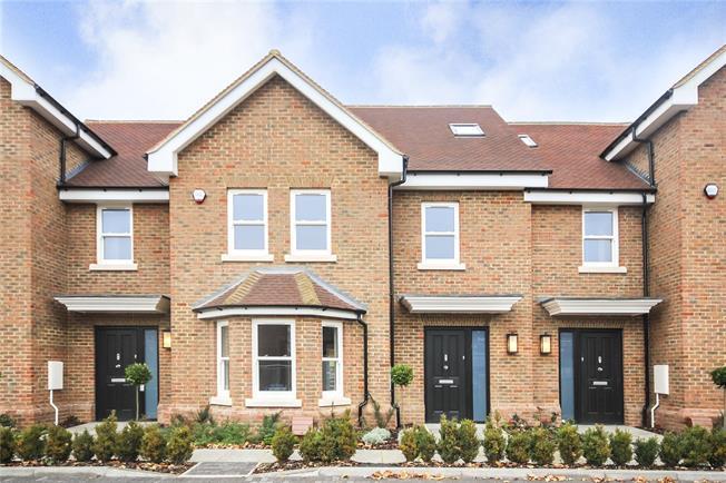 Guide Price £850,000, 4 Bedroom Terraced House For Sale in Harpenden, AL5