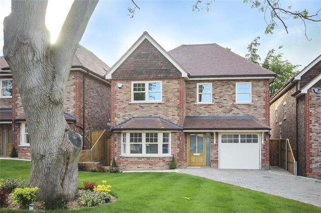 Guide Price £1,695,000, 4 Bedroom Detached House For Sale in Harpenden, AL5