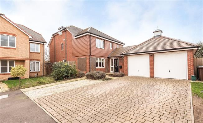 Asking Price £1,295,000, 6 Bedroom Detached House For Sale in Harpenden, Herts, AL5