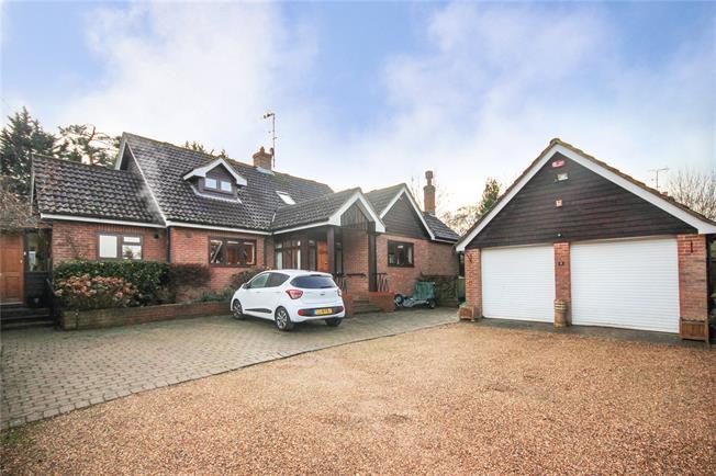 Guide Price £1,350,000, 3 Bedroom Detached House For Sale in Harpenden, AL5