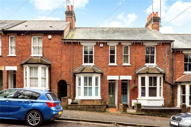 Guide Price £699,950, 2 Bedroom Terraced House For Sale in Harpenden, AL5