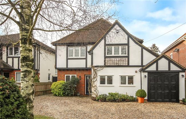 Asking Price £1,650,000, 6 Bedroom Detached House For Sale in Hertfordshire, AL5