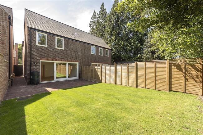 Asking Price £1,195,000, 2 Bedroom Semi Detached House For Sale in Hertfordshire, AL5