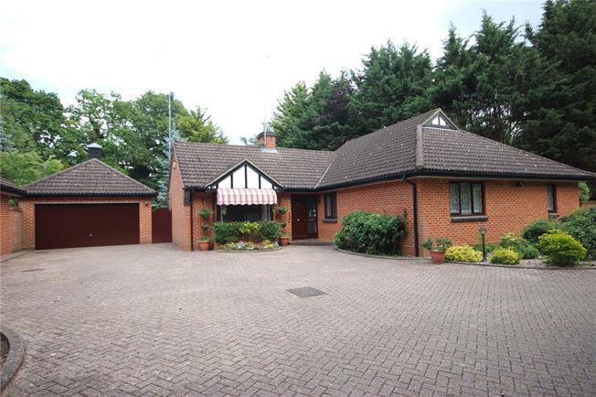 Asking Price £1,375,000, 3 Bedroom Bungalow For Sale in Hertfordshire, AL5