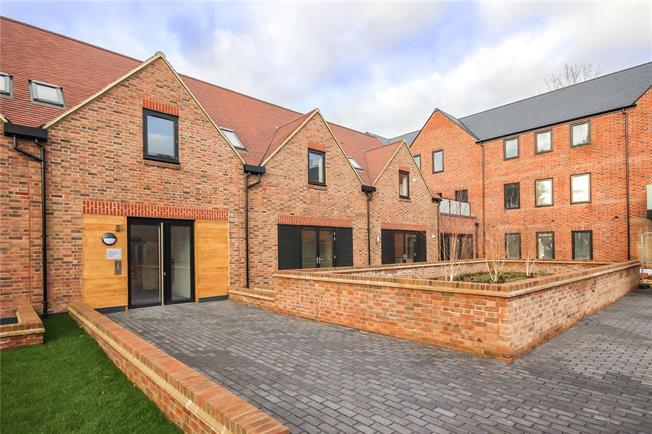 Asking Price £1,430,000, 3 Bedroom Flat For Sale in Harpenden, Hertfordshire, AL5
