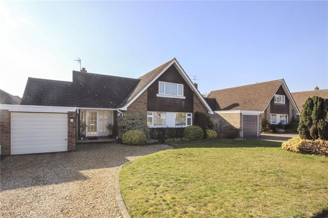 Guide Price £975,000, 4 Bedroom Detached House For Sale in Hertfordshire, AL5
