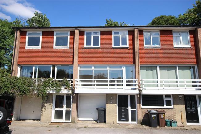 Asking Price £550,000, 2 Bedroom Terraced House For Sale in Harpenden, AL5