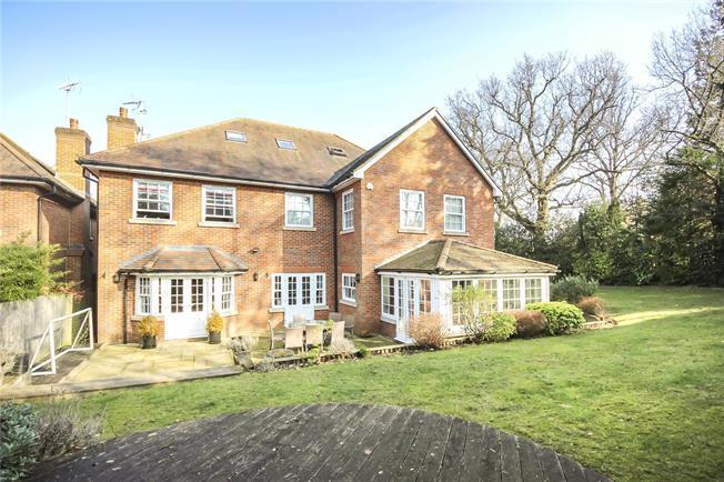 Asking Price £1,750,000, 5 Bedroom Detached House For Sale in Harpenden, AL5