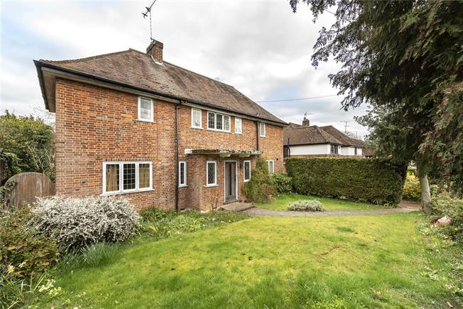 Guide Price £1,500,000, 4 Bedroom Detached House For Sale in Harpenden, AL5