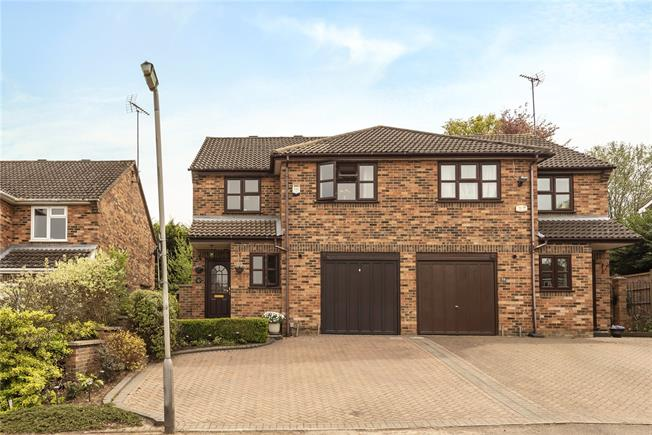 Asking Price £629,000, 3 Bedroom Semi Detached House For Sale in Hertfordshire, AL5