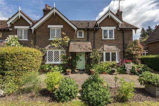 Guide Price £1,100,000, 3 Bedroom House For Sale in Hertfordshire, AL5