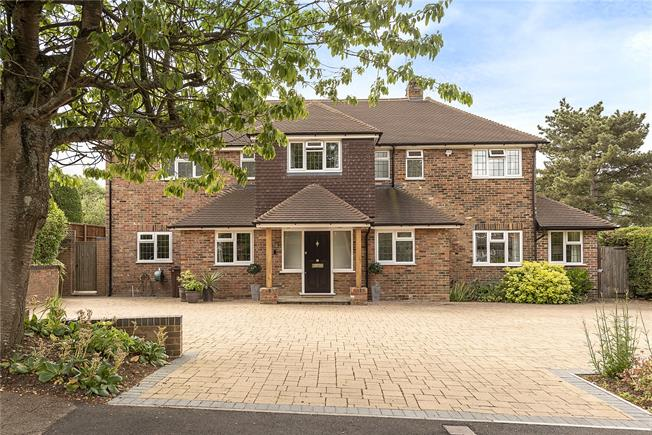 Guide Price £1,450,000, 5 Bedroom Detached House For Sale in Harpenden, AL5
