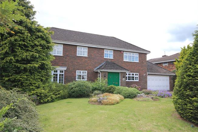Guide Price £1,500,000, 3 Bedroom Detached House For Sale in Hertfordshire, AL5
