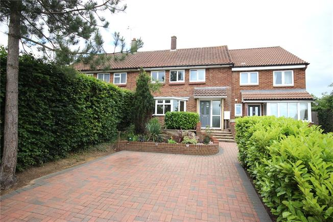 Guide Price £535,000, 3 Bedroom Terraced House For Sale in Hertfordshire, AL5