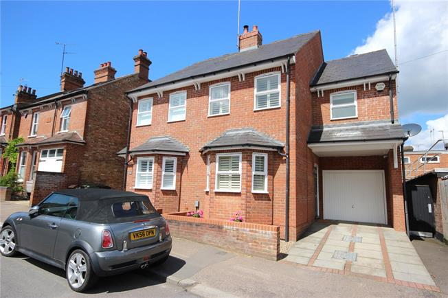 Guide Price £695,000, 4 Bedroom Semi Detached House For Sale in Hertfordshire, AL5