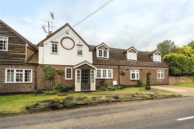 Guide Price £1,200,000, 4 Bedroom Semi Detached House For Sale in Harpenden, AL5