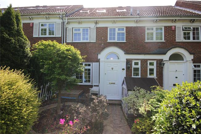 Guide Price £650,000, 4 Bedroom Terraced House For Sale in Harpenden, AL5