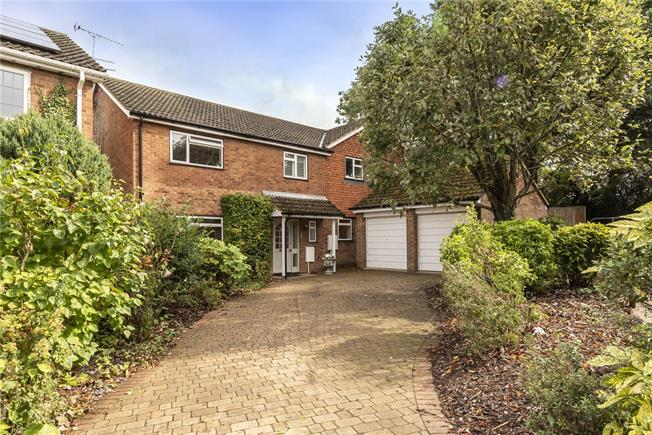 Asking Price £860,000, 4 Bedroom Detached House For Sale in Hertfordshire, AL5