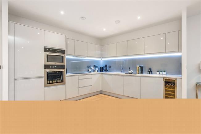 Asking Price £1,100,000, 2 Bedroom Flat For Sale in Hertfordshire, AL5