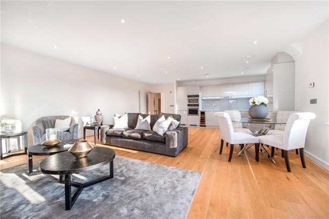 Asking Price £1,260,000, 3 Bedroom Flat For Sale in Hertfordshire, AL5