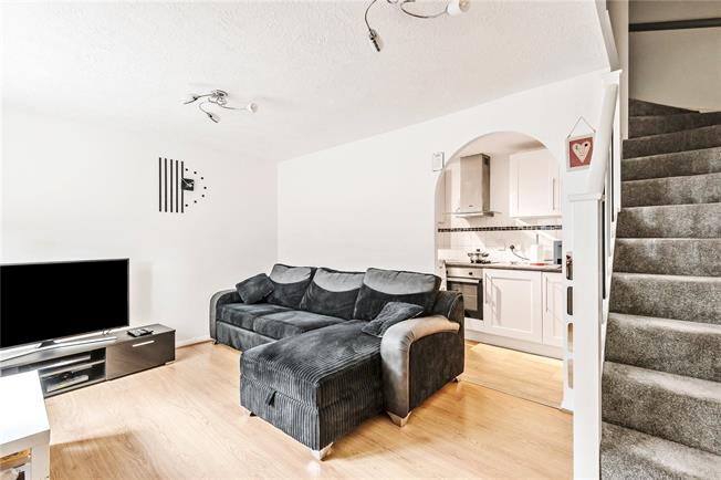 Asking Price £335,000, 1 Bedroom Flat For Sale in Barnet, EN4