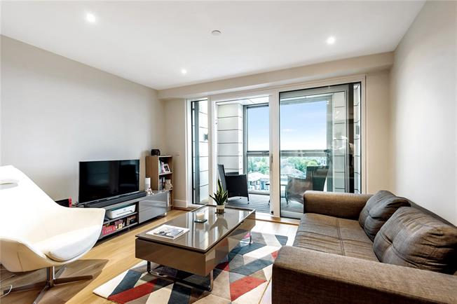 Asking Price £435,000, 1 Bedroom Flat For Sale in London, N20