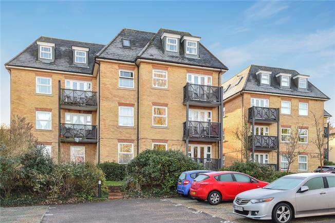 Guide Price £450,000, 2 Bedroom Flat For Sale in New Barnet, EN5