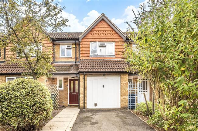 Guide Price £529,950, 3 Bedroom Terraced House For Sale in Barnet, EN5