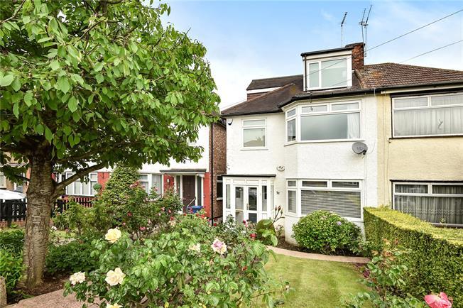 Asking Price £775,000, 4 Bedroom Semi Detached House For Sale in New Barnet, EN5