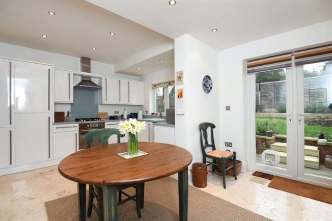 Guide Price £750,000, 4 Bedroom Semi Detached House For Sale in Barnet, EN5