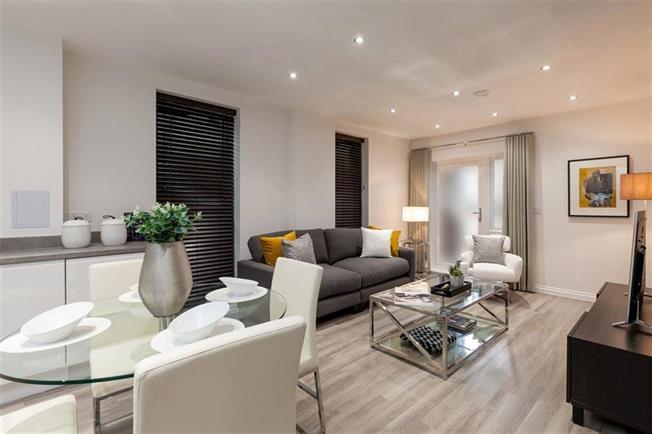 Asking Price £399,995, 1 Bedroom Flat For Sale in Whetstone, London, N20