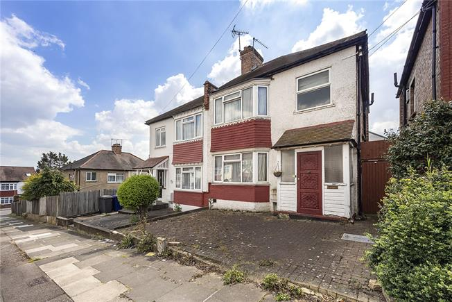 Offers in excess of £490,000, 3 Bedroom Semi Detached House For Sale in London, N20