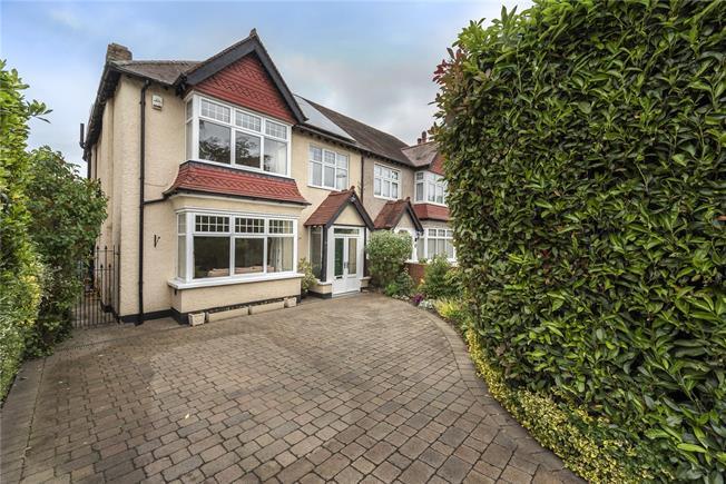 Guide Price £850,000, 4 Bedroom Semi Detached House For Sale in New Barnet, EN5