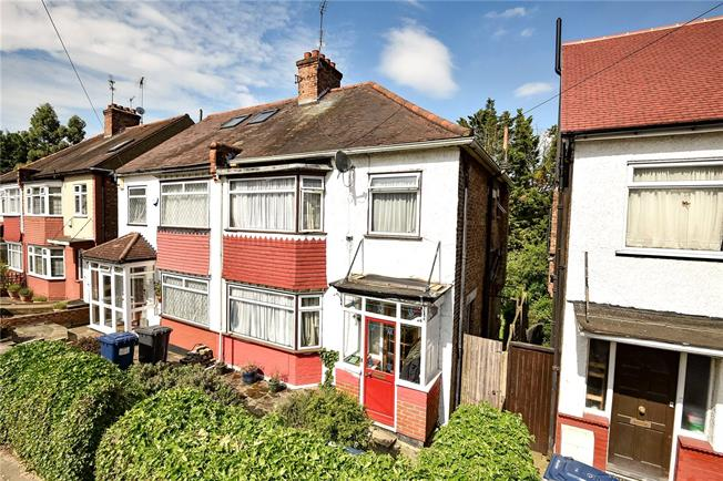 Offers in excess of £500,000, 3 Bedroom Semi Detached House For Sale in London, N20
