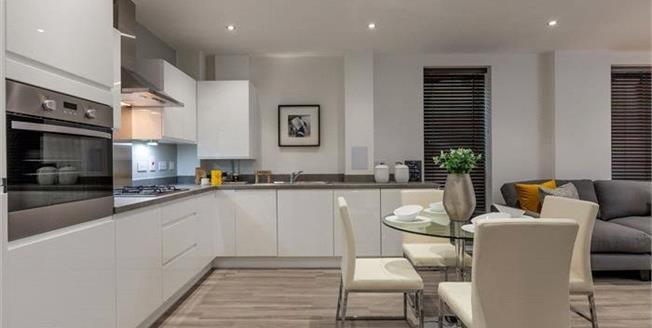 Asking Price £539,500, 2 Bedroom Flat For Sale in Whetstone, London, N20