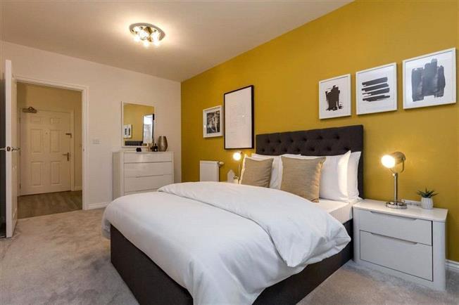 Asking Price £535,000, 2 Bedroom Flat For Sale in Whetstone, London, N20