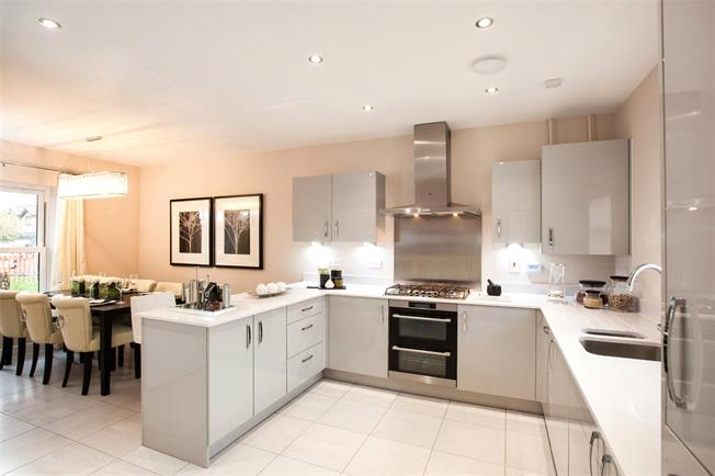 Asking Price £1,020,000, 4 Bedroom Semi Detached House For Sale in Whetstone, London, N20
