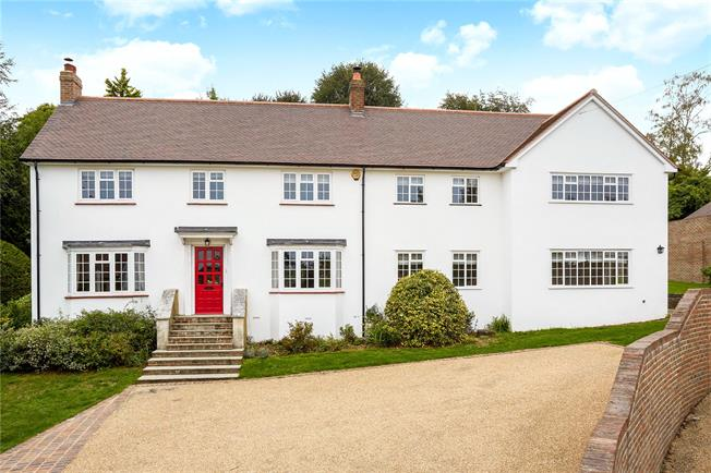 Guide Price £1,395,000, 5 Bedroom Detached House For Sale in Reigate, RH2