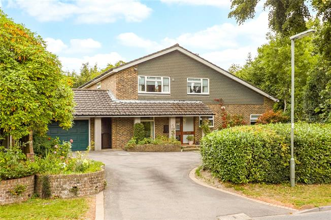 Offers in excess of £900,000, 4 Bedroom Detached House For Sale in Reigate, RH2