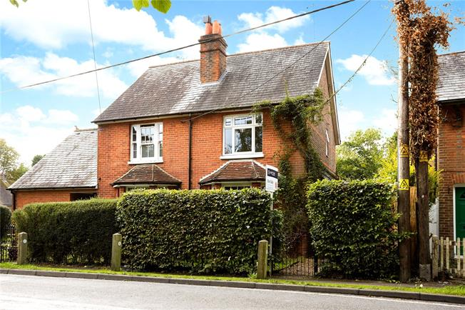 Guide Price £399,950, 3 Bedroom Semi Detached House For Sale in Charlwood, RH6