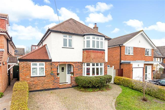 Offers in excess of £750,000, 3 Bedroom Detached House For Sale in Reigate, RH2