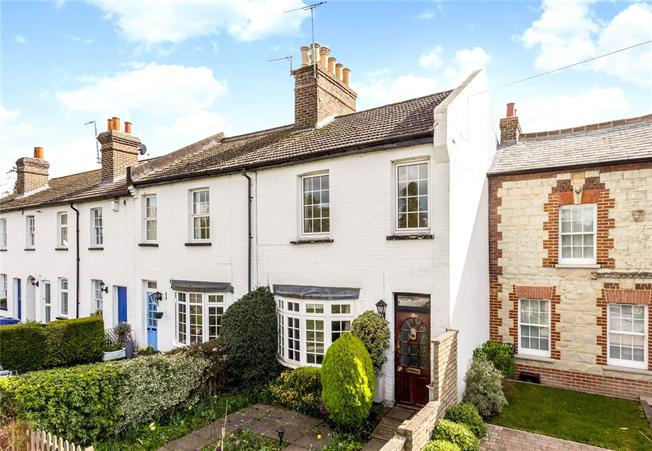 Offers in excess of £500,000, 2 Bedroom Terraced House For Sale in Reigate, RH2