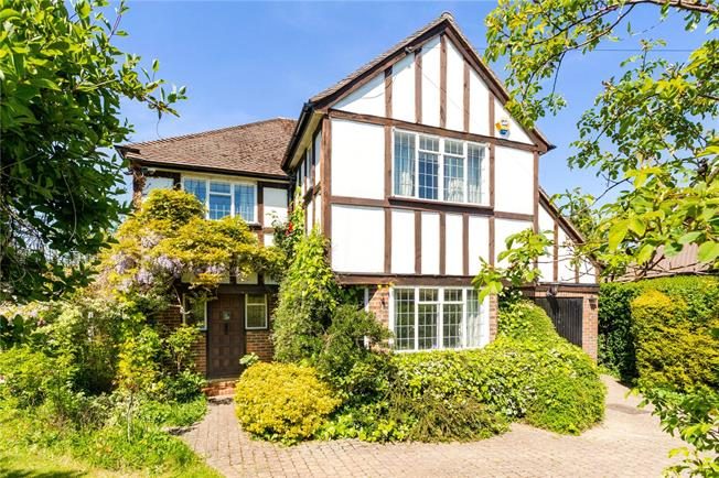 Asking Price £700,000, 4 Bedroom Detached House For Sale in Redhill, Surrey, RH1