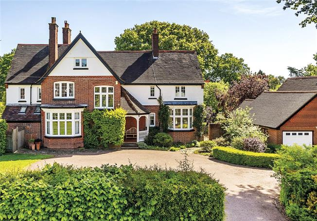 Guide Price £2,295,000, 6 Bedroom Detached House For Sale in Surrey, RH2